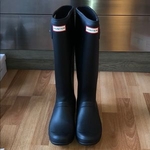 Hunter Boots (comes with pair of socks)